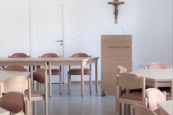 Leere Seminarräume: Viele Bildungshäuser haben Veranstaltungen abgesagt.